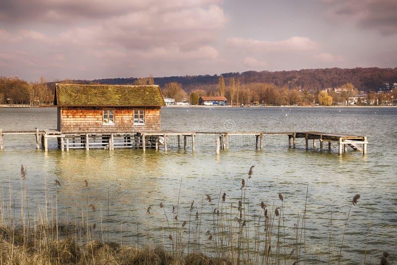 La Bavière d'Ammersee de lac hut image stock