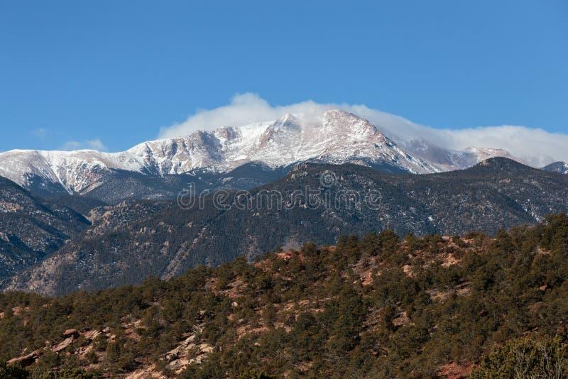 La beauté naturelle du Colorado Rocky Mountains - crête de brochets images libres de droits
