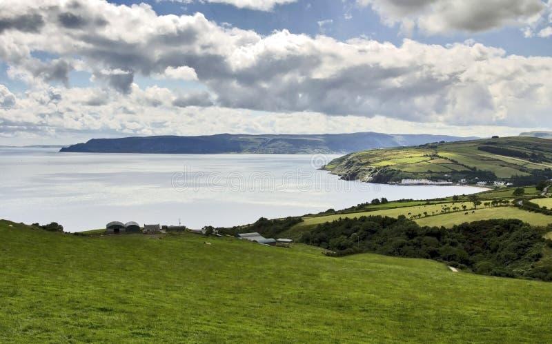 La bella linea costiera di Antrim dalla testa dei torr fotografia stock libera da diritti