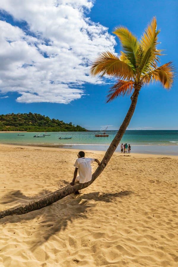 La bella spiaggia africana di curioso è nel Madagascar immagini stock