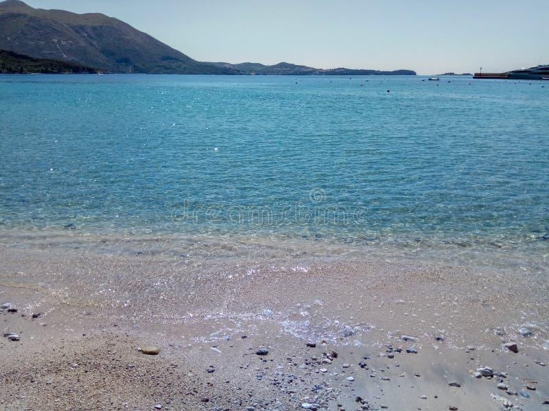 La bella vista sul mare del mare adriatico fotografia stock
