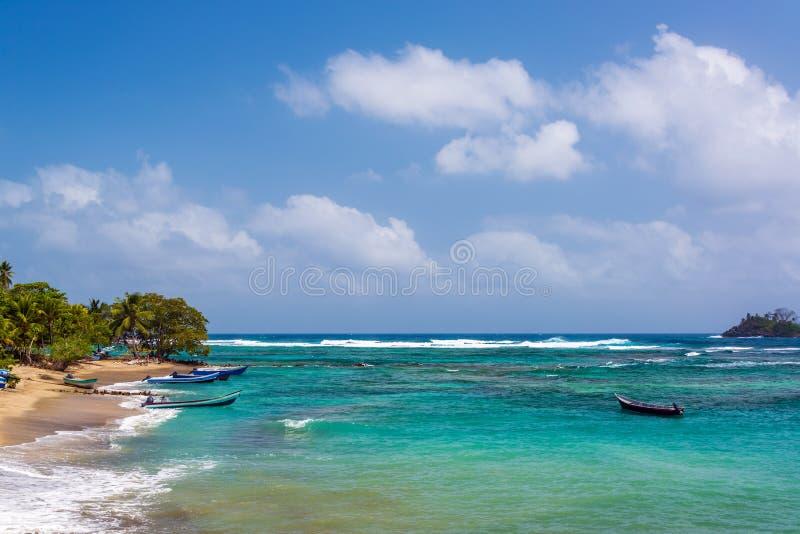 La belle eau des Caraïbes photos stock