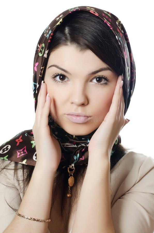 La belle fille dans une écharpe, la musulmane photographie stock libre de droits