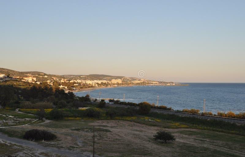 La belle plage Limassol d'Amathus en Chypre photographie stock libre de droits