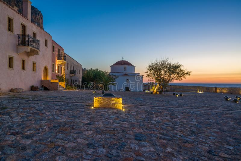 La belle ville bizantine de château de Monemvasia dans le Laconia photographie stock libre de droits