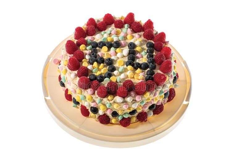 La belle vue du gâteau d'anniversaire fait maison a isolé Beaux baclgrounds de vacances photographie stock libre de droits