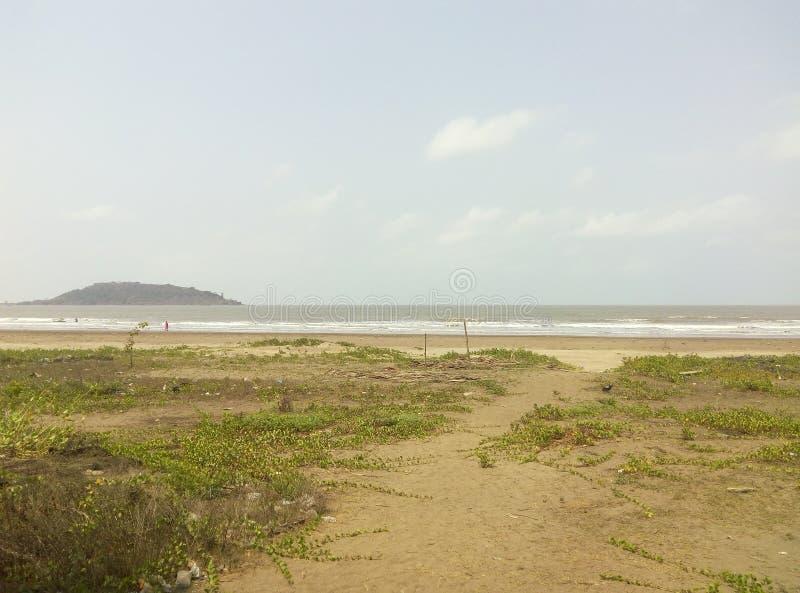 La belles terre et montagne de mer photos libres de droits