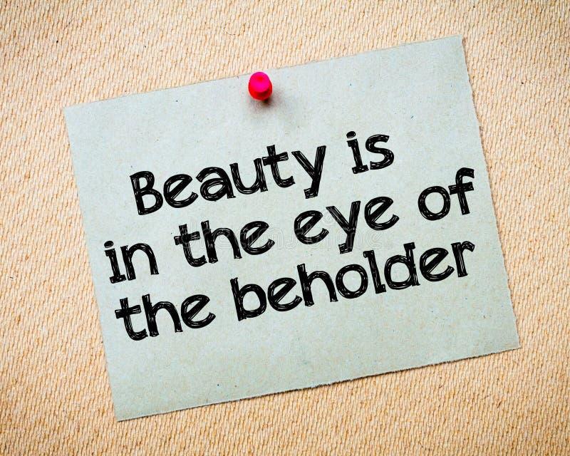 La belleza está en el ojo del espectador imagenes de archivo