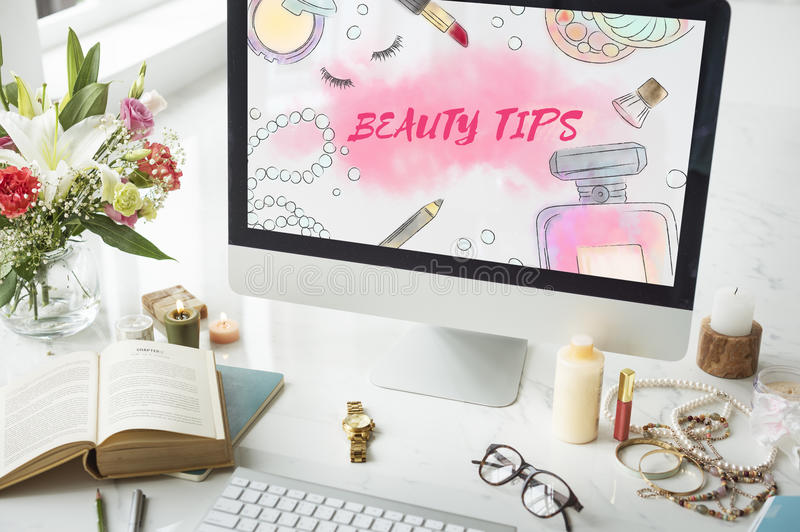 La belleza inclina concepto de los accesorios del maquillaje foto de archivo libre de regalías