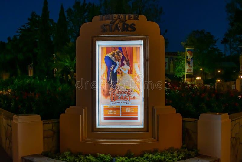 La belleza y los tiempos de la demostración de la bestia firman en los estudios de Hollywood en Walt Disney World fotos de archivo