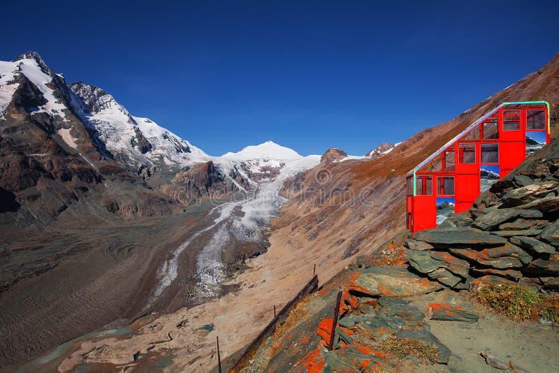 La benne suspendue au glacier de Pasterze photo stock