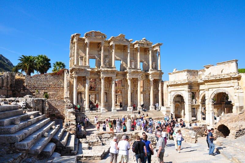 La bibliothèque Celsius dans la ville antique d'Ephesus Izmir Turquie photos stock