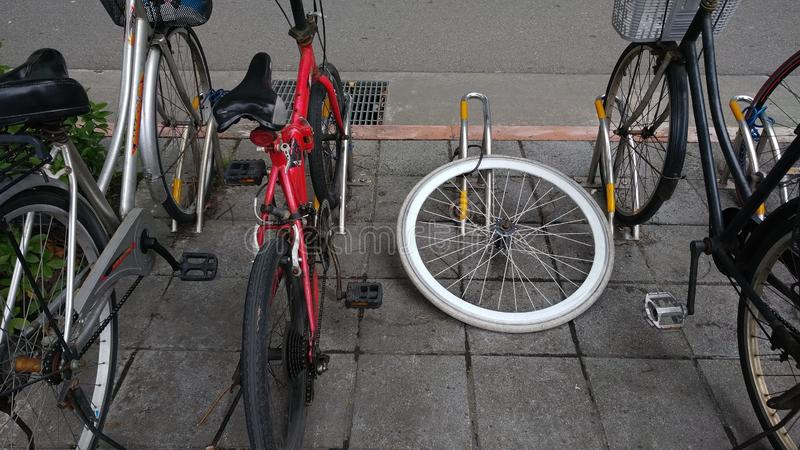 La bicicletta che è stata rubata soltanto l'orlo, Taiwan fotografie stock libere da diritti