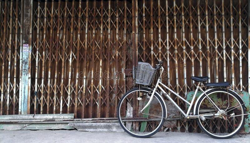 La bicicletta d'annata fotografia stock
