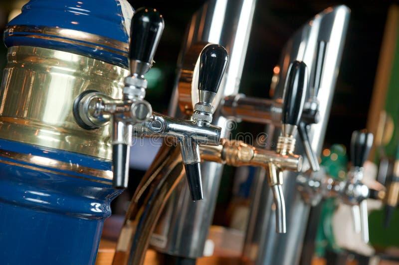 La birra dei barins è un rubinetto immagine stock libera da diritti