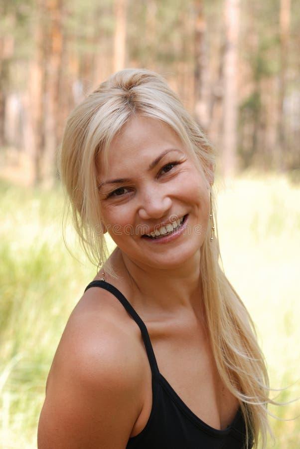 La blonde de fille photographie stock libre de droits