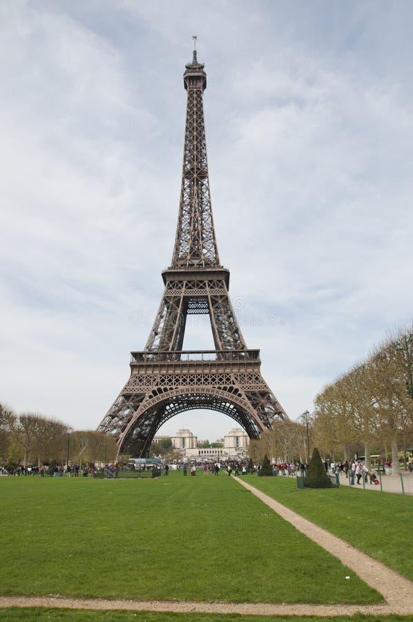 La borne limite de tour d'Eiffle à Paris photo libre de droits