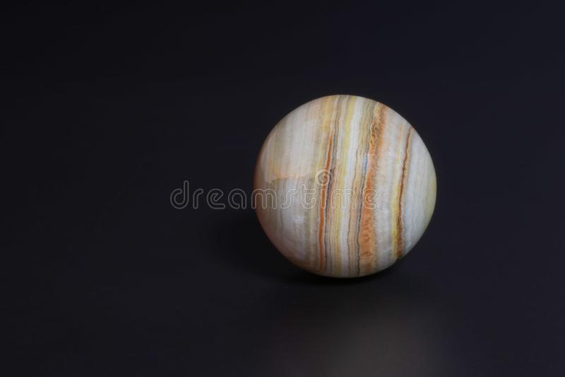 la boule est belle et peu commune image stock