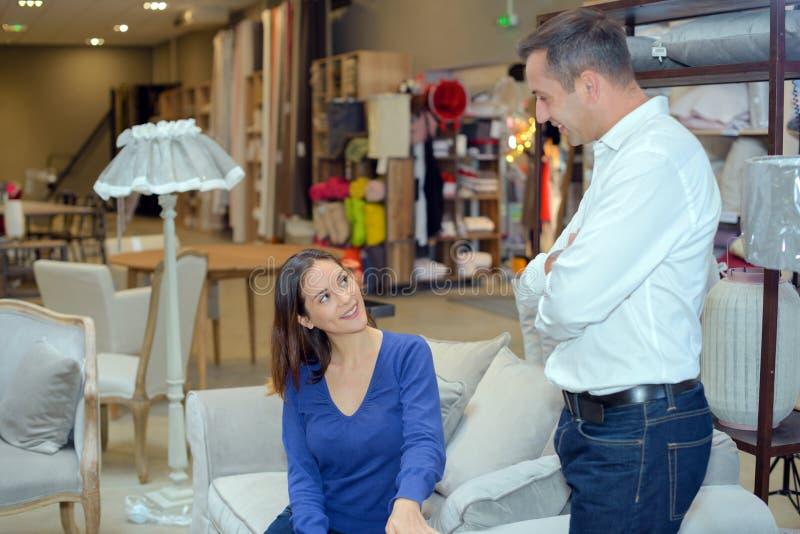 La boutique de meubles de maison image libre de droits