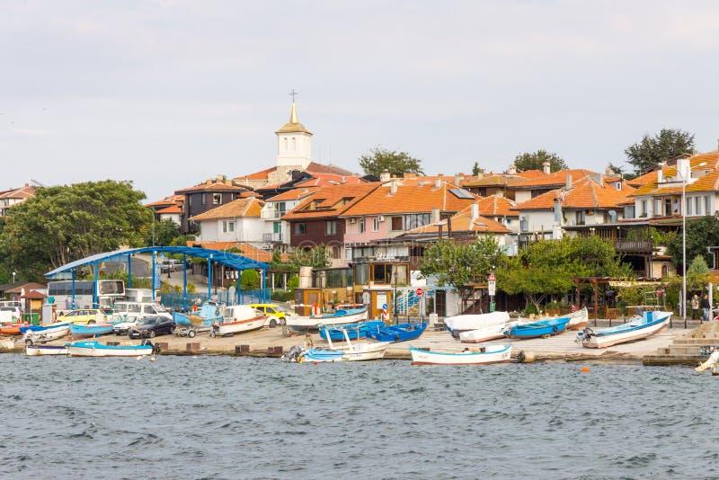 La Bulgarie : Bateaux de pêche sur le vieux Nessebar photos libres de droits