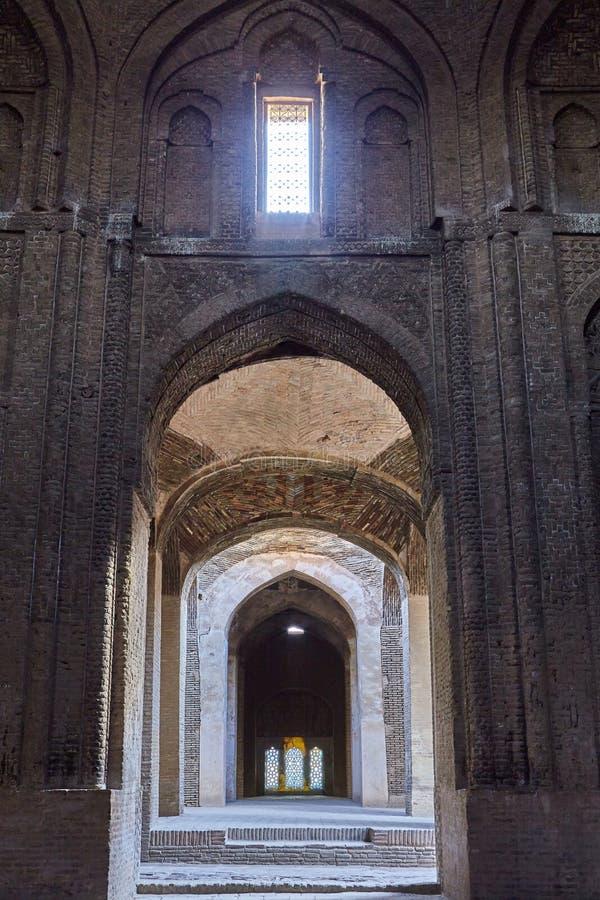 La cámara acorazada abovedada en Jame Mosque, Isfahán, Irán fotografía de archivo