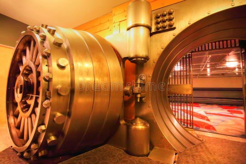 La cámara acorazada, un lugar para los lugares subterráneos históricos del evento imagen de archivo