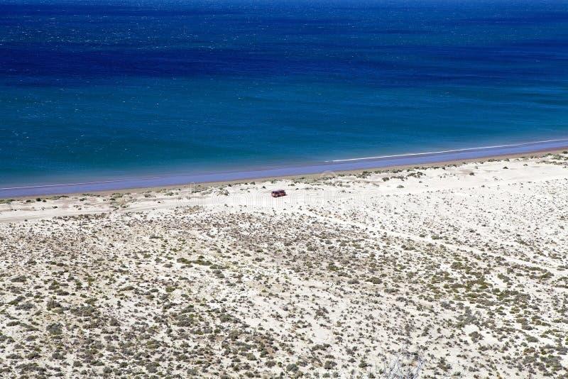 La côte après Punta Loma près de Puerto Madryn, une ville dans la province de Chubut, Patagonia, Argentine photo stock