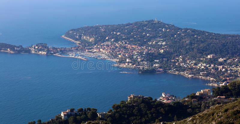 La Côte d'Azur, ` Azur, côte méditerranéenne de CÃ'te d, Eze, Saint Tropez, Cannes et le Monaco agréables L'eau bleue et yachts d photographie stock libre de droits