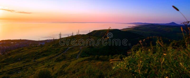 La côte du sud-ouest de l'île de Sakhaline images stock