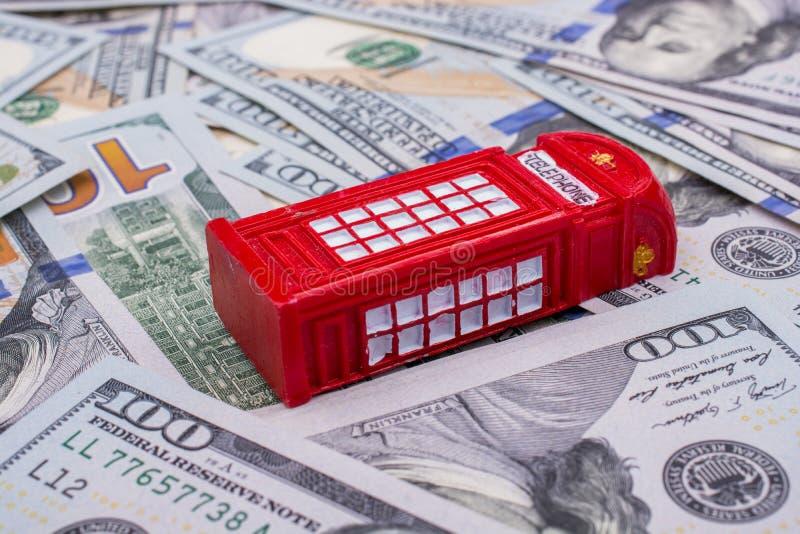 Download La Cabine Téléphonique Modèle Est Sur Les Billets De Banque De Dollar US Photo stock - Image du branchez, dollars: 87701440