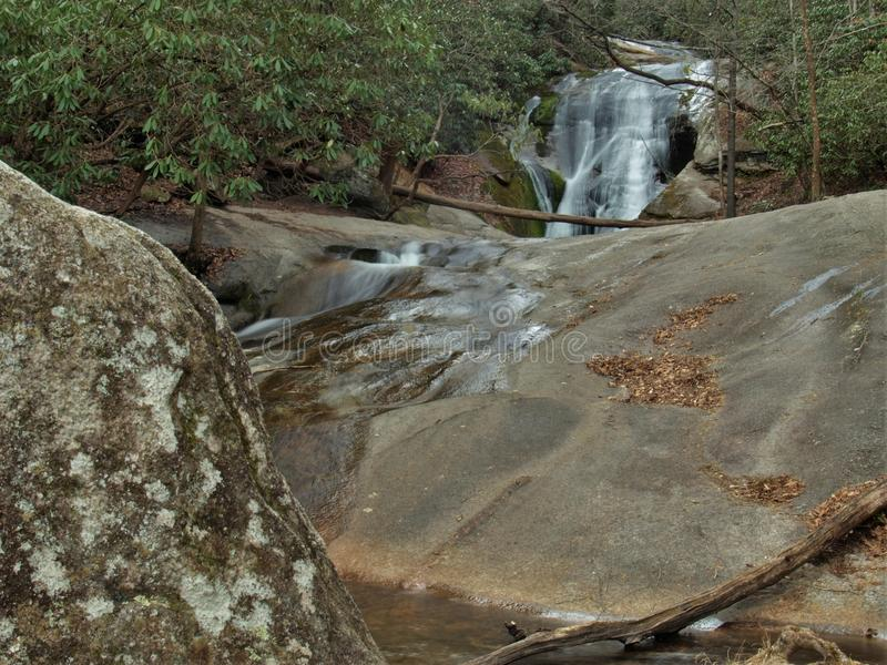 La cala del ` s de la viuda cae en el parque de estado de Stone Mountain imagenes de archivo