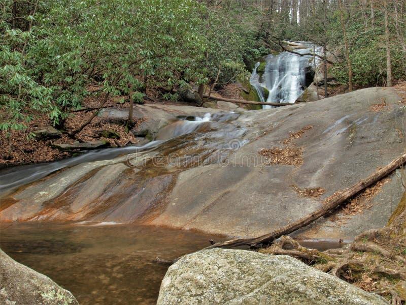 La cala del ` s de la viuda cae en el parque de estado de Stone Mountain fotos de archivo