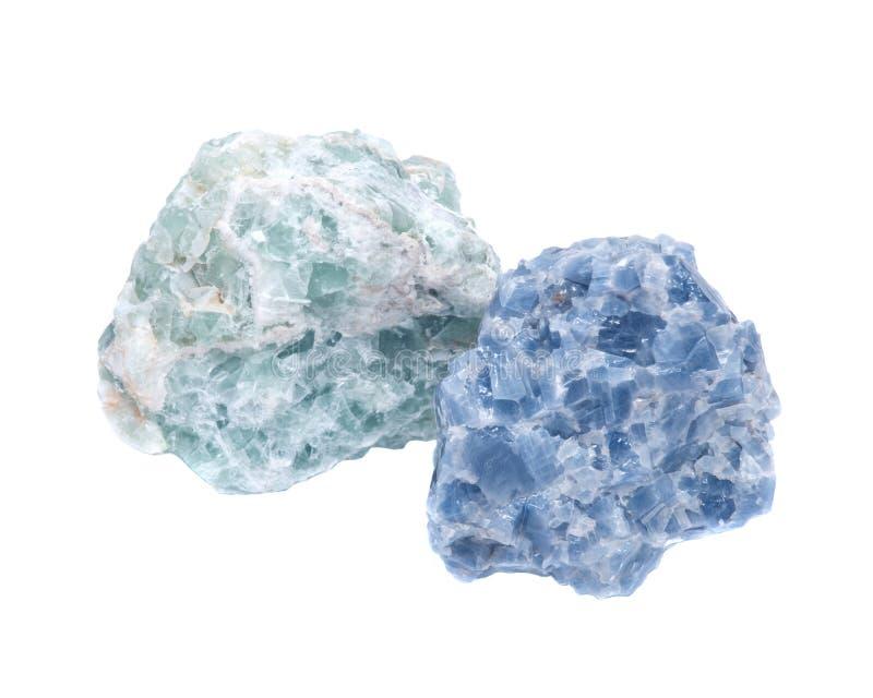 La calcita azul cruda y el verde Apophyllite se agrupa en matriz imagenes de archivo