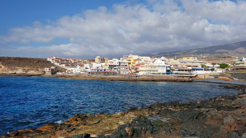 La Caleta, populair rustig visserijdorp in het zuiden van het eiland, Tenerife, Canarische Eilanden, Spanje stock afbeelding