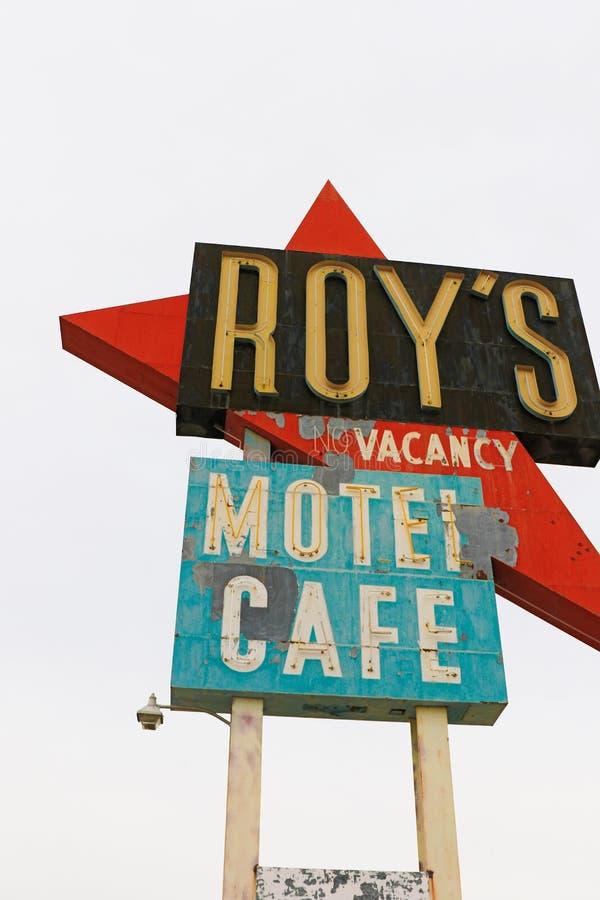 La Californie, le signe de motel du ` s de Roy photographie stock libre de droits