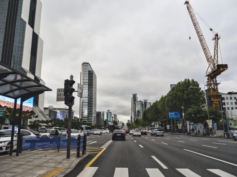 La calle en el centro de la ciudad de la ciudad de Seúl fotografía de archivo libre de regalías