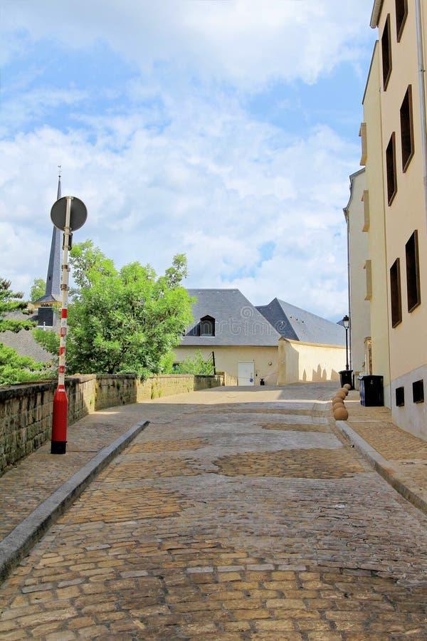 La calle en Luxemburgo pintó en colores en colores pastel fotografía de archivo