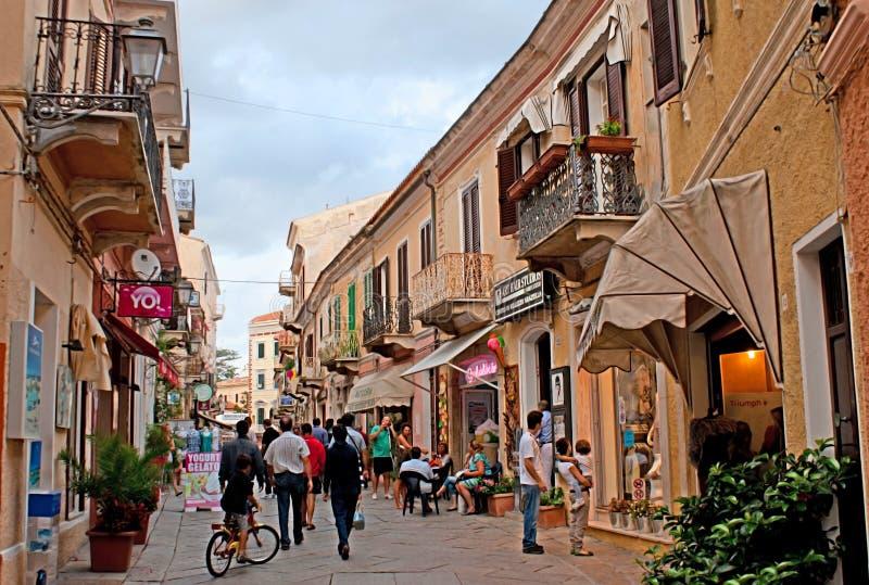 La calle turística imagen de archivo libre de regalías