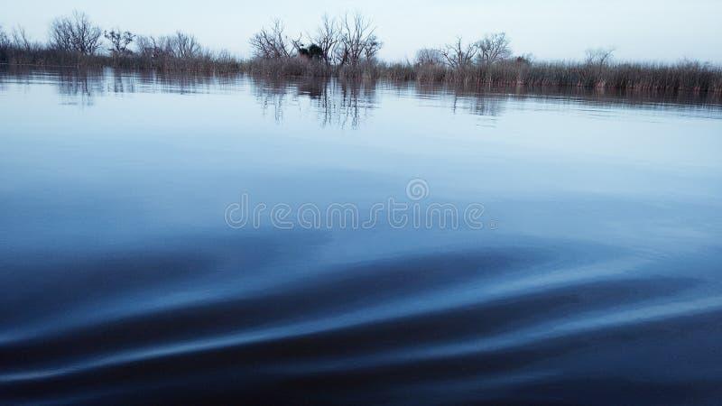 La calma dell'acqua immagini stock