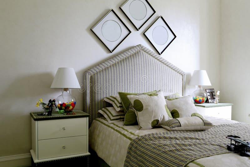 La camera da letto del ragazzo fotografia stock