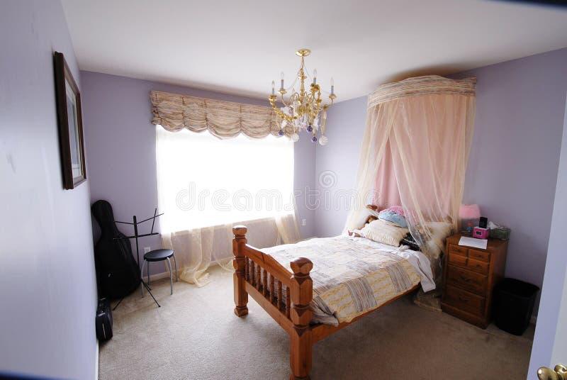 La camera da letto della ragazza con il violoncello for Camera letto ragazza
