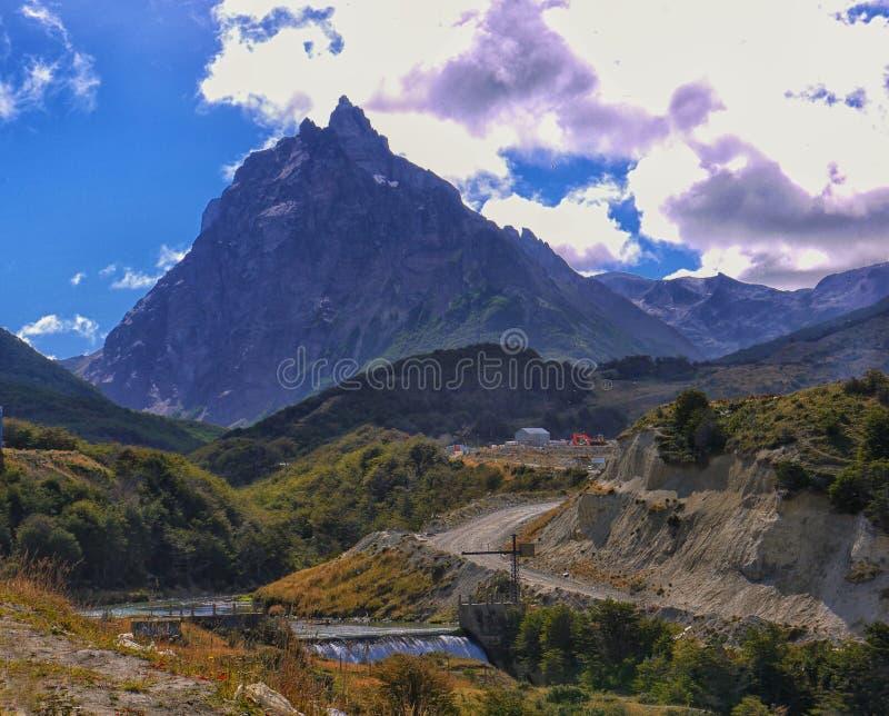 La campana de cristal escarpada y rugosa de Cerro, Patagonia de Ushuaia imagen de archivo libre de regalías