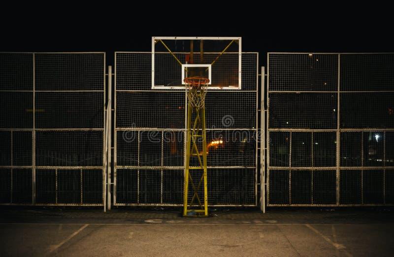 La cancha de básquet fotografía de archivo libre de regalías