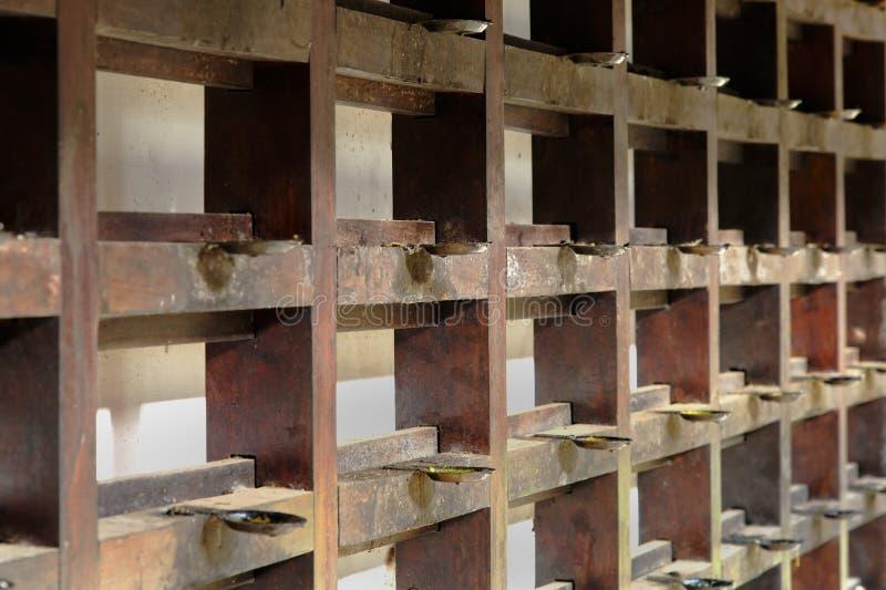 La caoba atormenta el templo hindú de Krishna imagenes de archivo