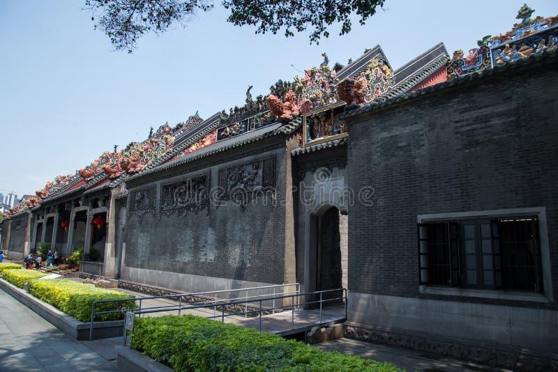 La capilla ancestral de la atracción turística famosa en Guangzhou, China Ésta es la entrada al templo ancestral foto de archivo