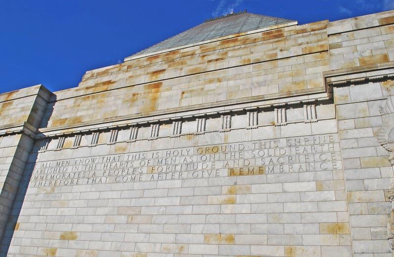La capilla del detalle conmemorativo de la pared de la conmemoración con la inscripción dedicada fotografía de archivo