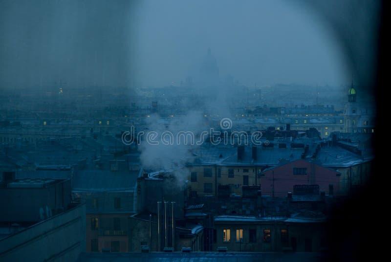 La capitale du nord de la Russie dans l'horaire d'hiver image stock