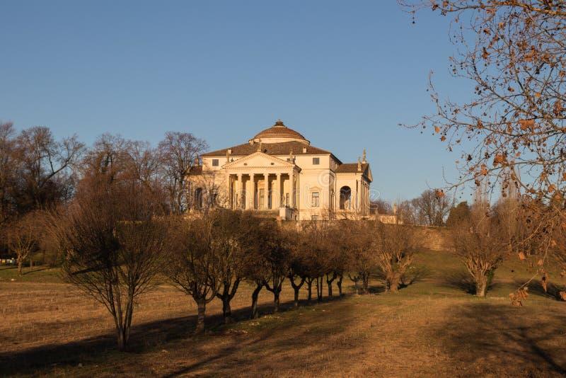 La capra della villa il ` di Rotonda che della La del ` ha progettato da Palladio ha fotografato alla luce di primo mattino immagine stock