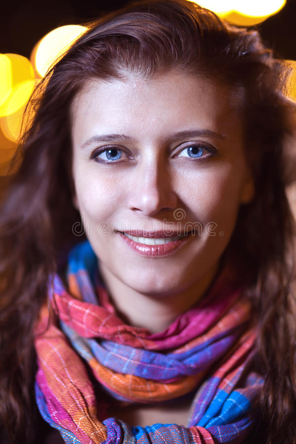 La cara de la mujer la noche fotografía de archivo