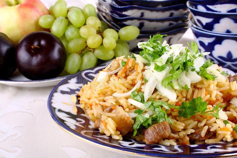 La carne cocinó con arroz como primer oriental de la comida foto de archivo libre de regalías
